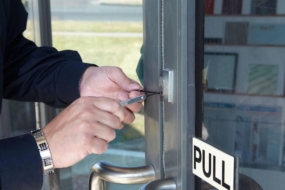 commercial locksmiths toronto